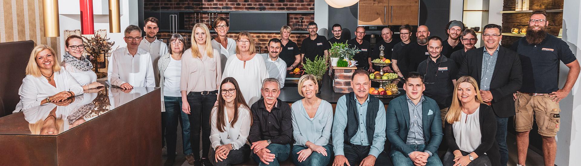 Das Team des Küchenstudios WEKUmat bei Würzburg