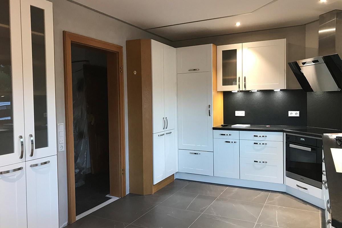 Modernisierte Küche im Landhausstil vom Küchenstudio WEKUmat