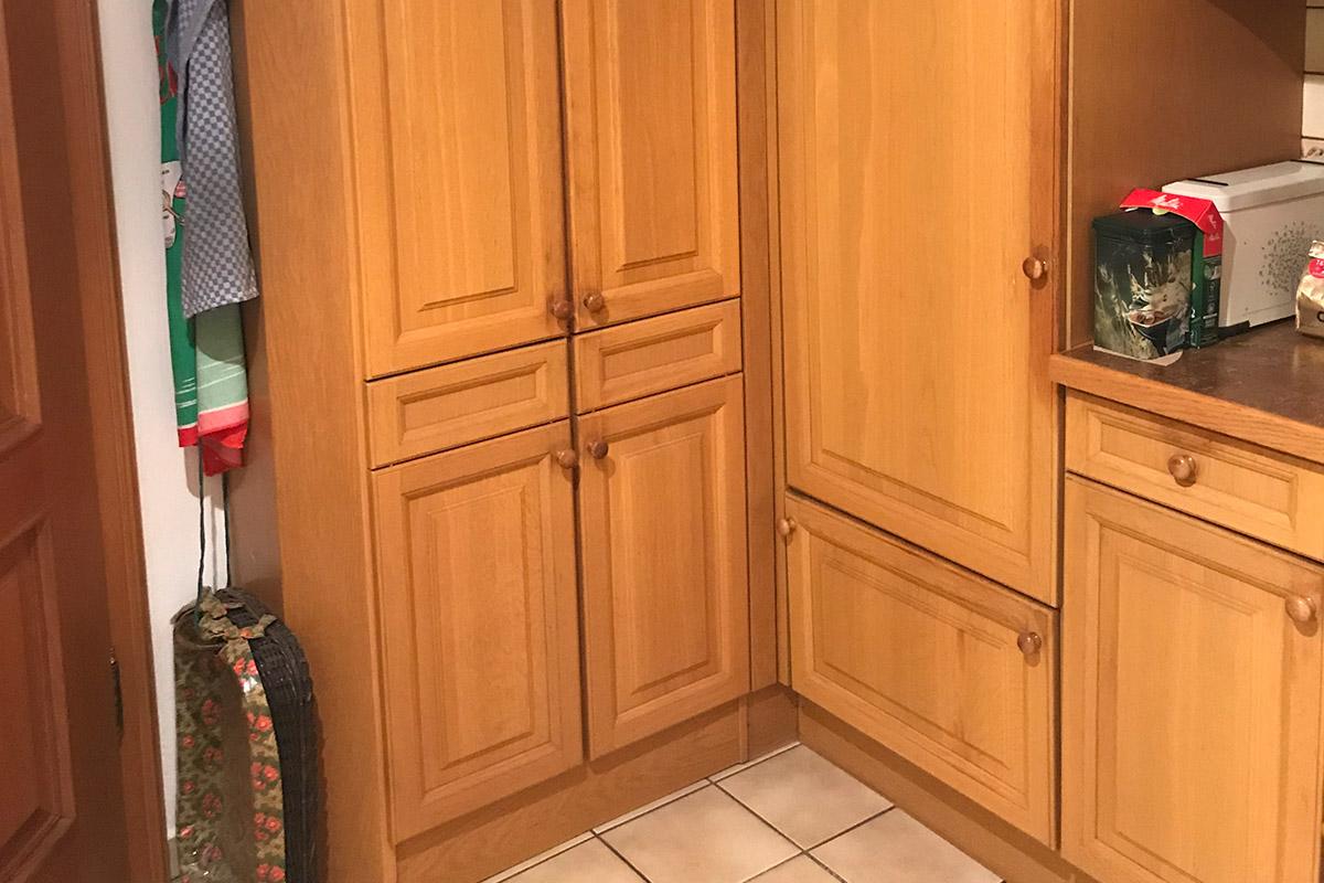 Holzküche vor der Modernisierung durch WEKUmat