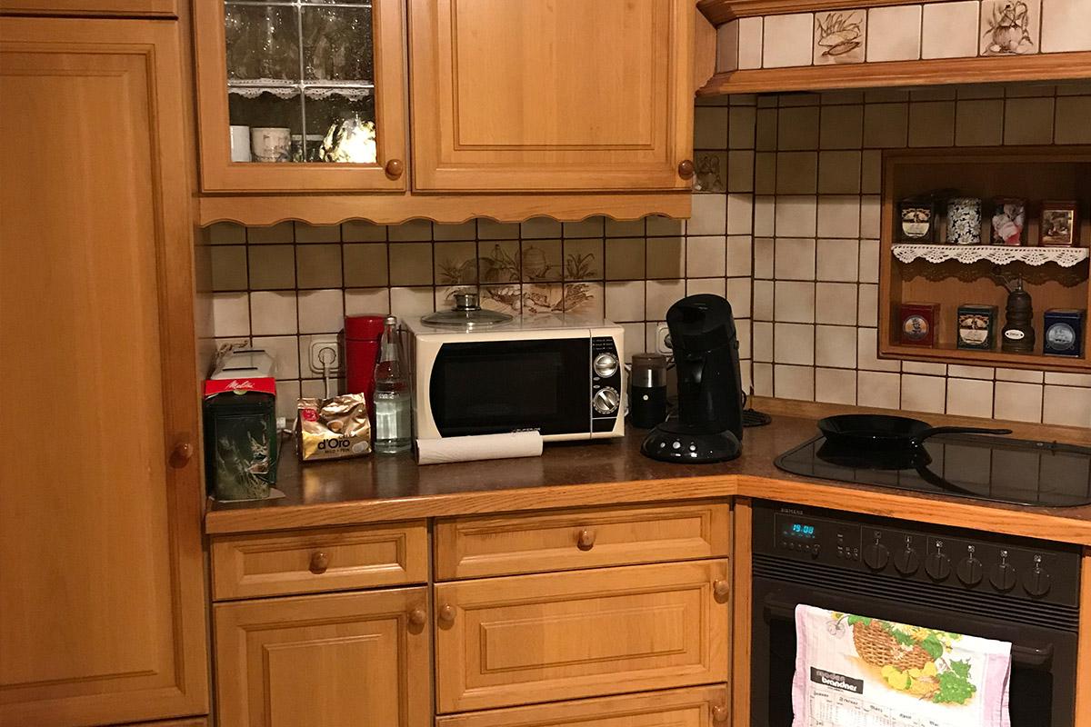 Küchenmodernisierung beim WEKUmat Küchenwerk: Alte Küche Vorher-Bild